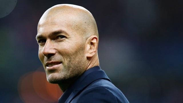 """Huyền thoại """"Thiết đầu công"""" nước Pháp - Zinedine Zidane"""