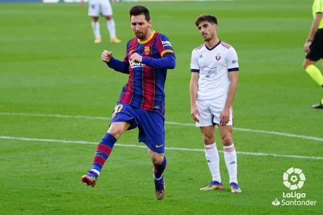Messi có bàn thắng tri ân huyền thoại Maradona
