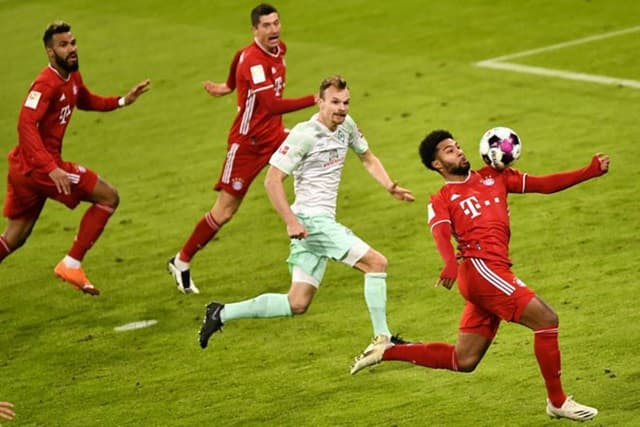 Bayern Munich gặp nhiều khó khăn trước Werder Bremen