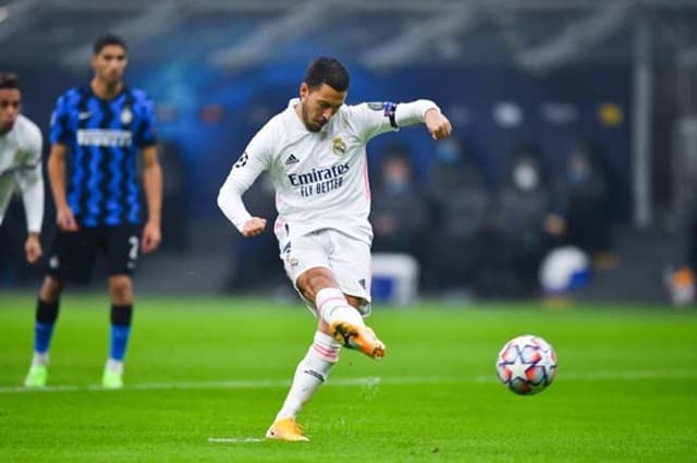 Hazard đá phạt đền mở tỷ số cho Real ngay phút thứ 7