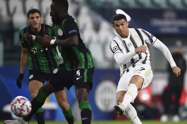 Ronaldo tỏa sáng lúc Juventus cần anh nhất