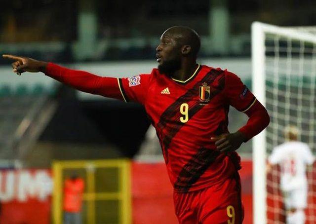 Lukaku ghi cú đúp ở hiệp 2 đưa Bỉ an toàn vào bán kết