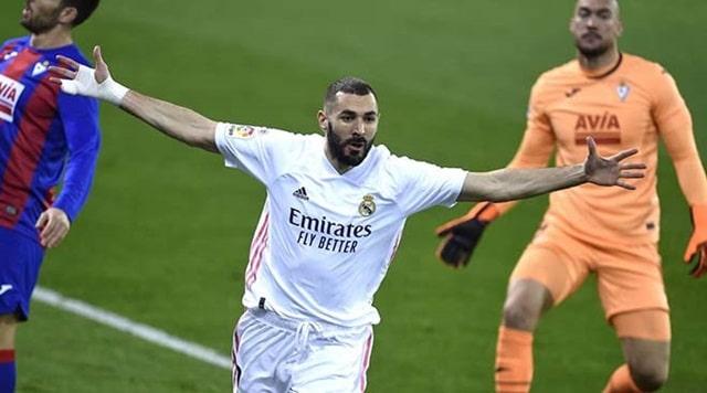 Benzema ghi bàn mở tỷ số và kiến tạo bàn thắng của Modric để Real dẫn 2-0 sau 13 phút