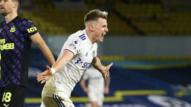 Leeds United vùi dập Newcastle trên sân nhà