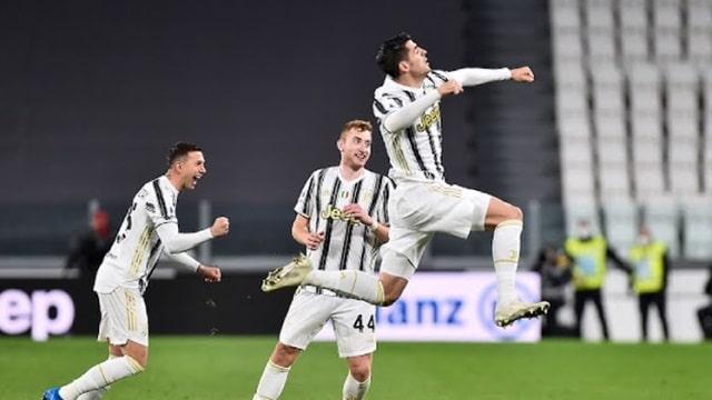 Bernardeschi (ngoài cùng bên trái) và Morata sắm vai người hùng của Juventus