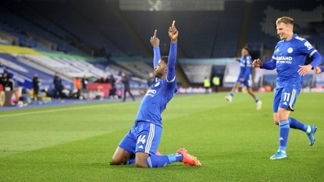 Iheanacho trở thành người hùng trong chiến tích lội ngược dòng của Leicester