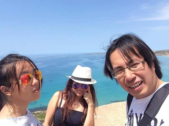 Trương Anh Ngọc cùng vợ và con gái
