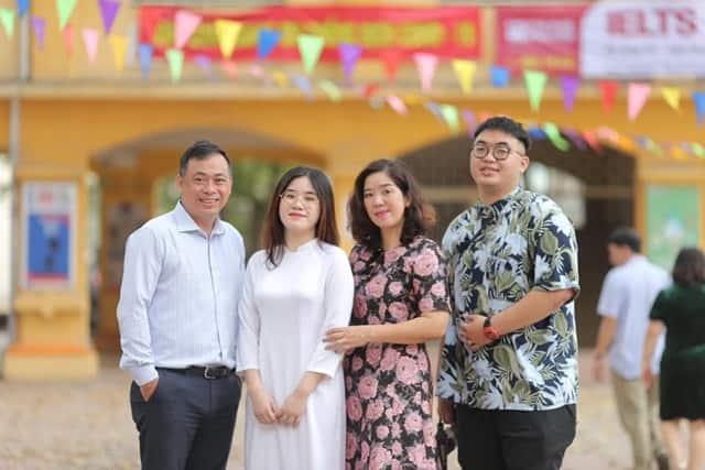 BLV Quang Tùng và gia đình hạnh phúc