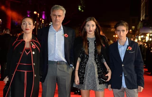José Mourinho cùng vợ và các con