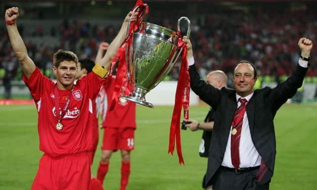Rafael Benítez ăn mừng chiến thắng với Liverpool