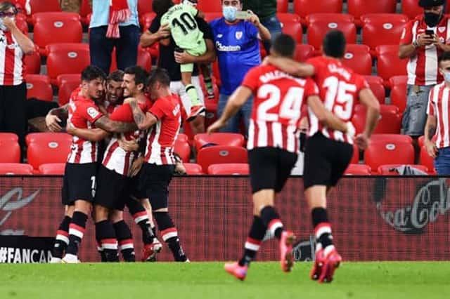 Bilbao gây khổ sở cho hàng thủ Barca trước khi vượt lên đầu hiệp 2 nhờ công Inigo Martinez