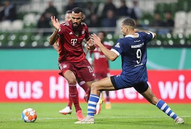 Bayern Munich (áo đỏ) thể hiện sức mạnh vượt trội