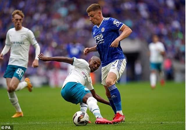 Man City đã gặp nhiều khó khăn trước một Leicester City chơi tấn công máu lửa