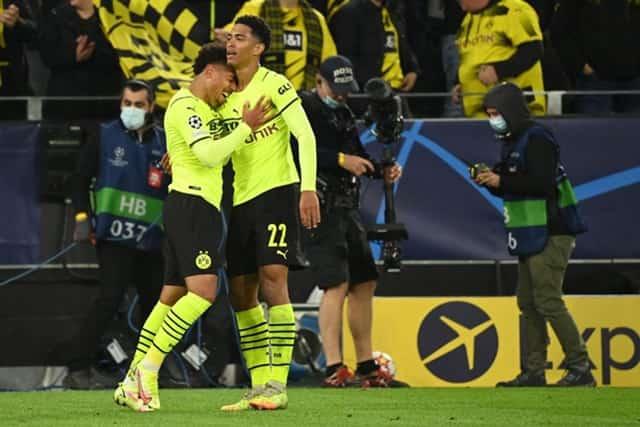 Dortmund có chiến thắng nhẹ nhàng trên sân nhà
