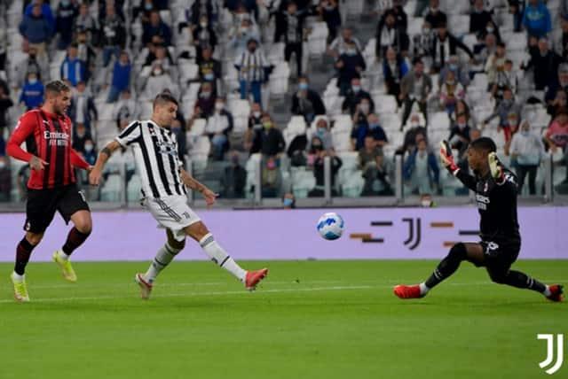 """Juventus đã dội """"gáo nước lạnh"""" lên AC Milan ngay ở phút thứ 4"""