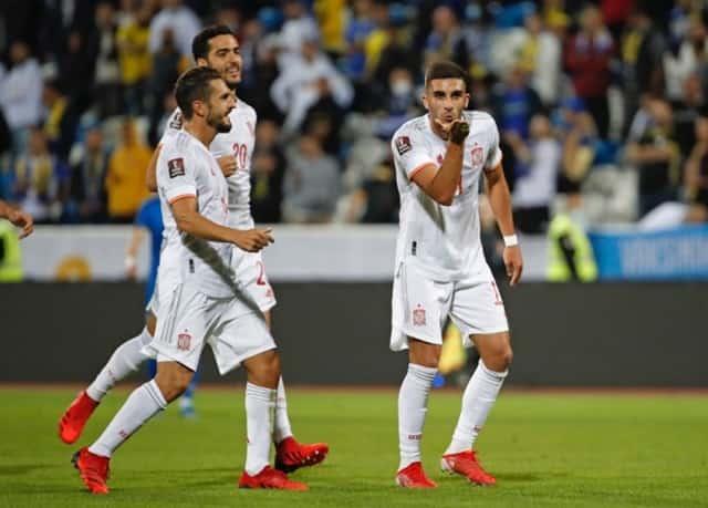 Tây Ban Nha nhẹ nhàng đánh bại Kosovo