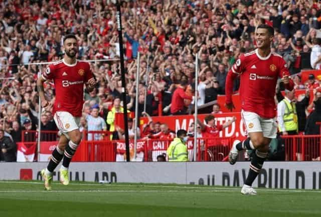 Ronaldo lập cú đúp trong trận ra mắt MU
