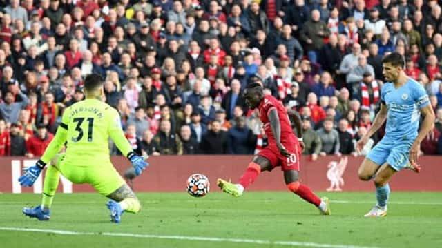 Mane mở tỷ số cho Liverpool sau pha đột phá của Salah